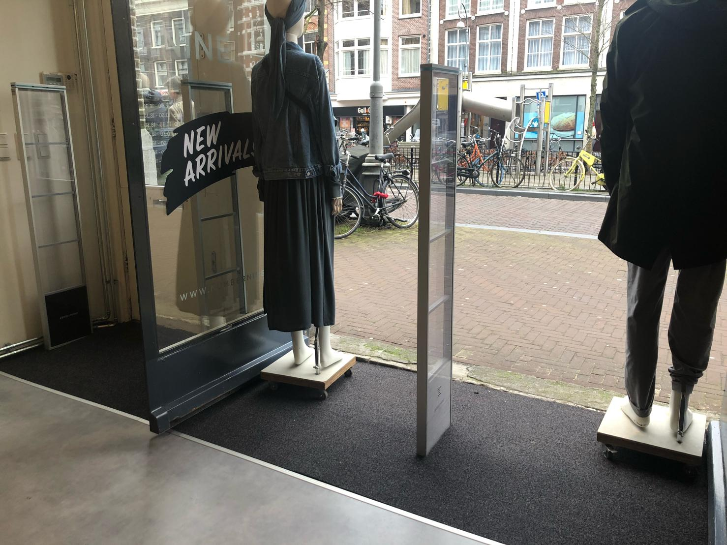 kledingwinkel Number Nine